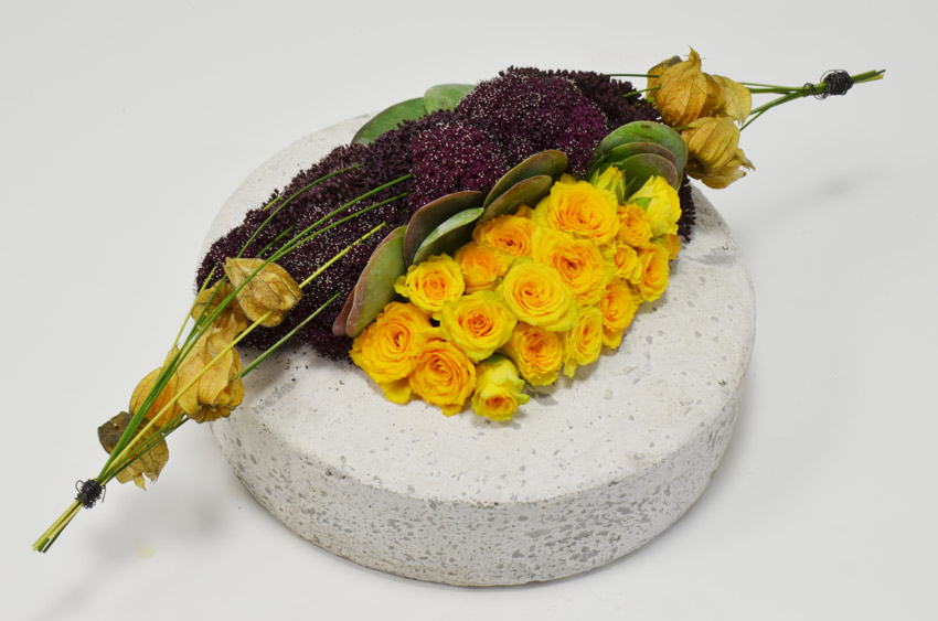fleuriste-montpellier-juvignac-PHYSALIS ET ROSES RAMIFIES2