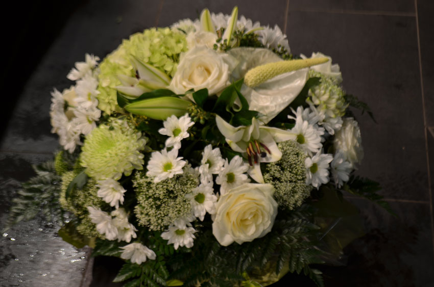 fleuriste-montpellier-juvignac-bouquet-de-fleurs-blanches-ronds