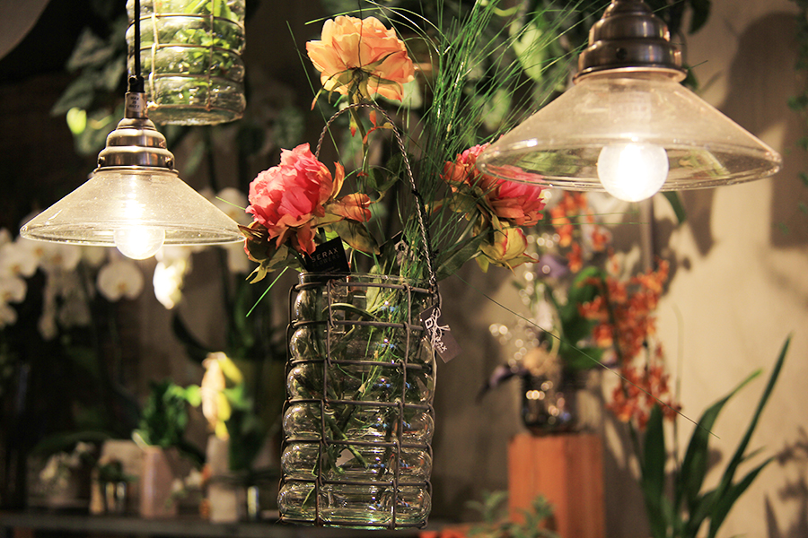 fleuriste-montpellier-juvignac-vase-suspendus-et-luminaire