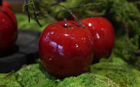 les pommes rouges decoratives montpellier symphonie florale
