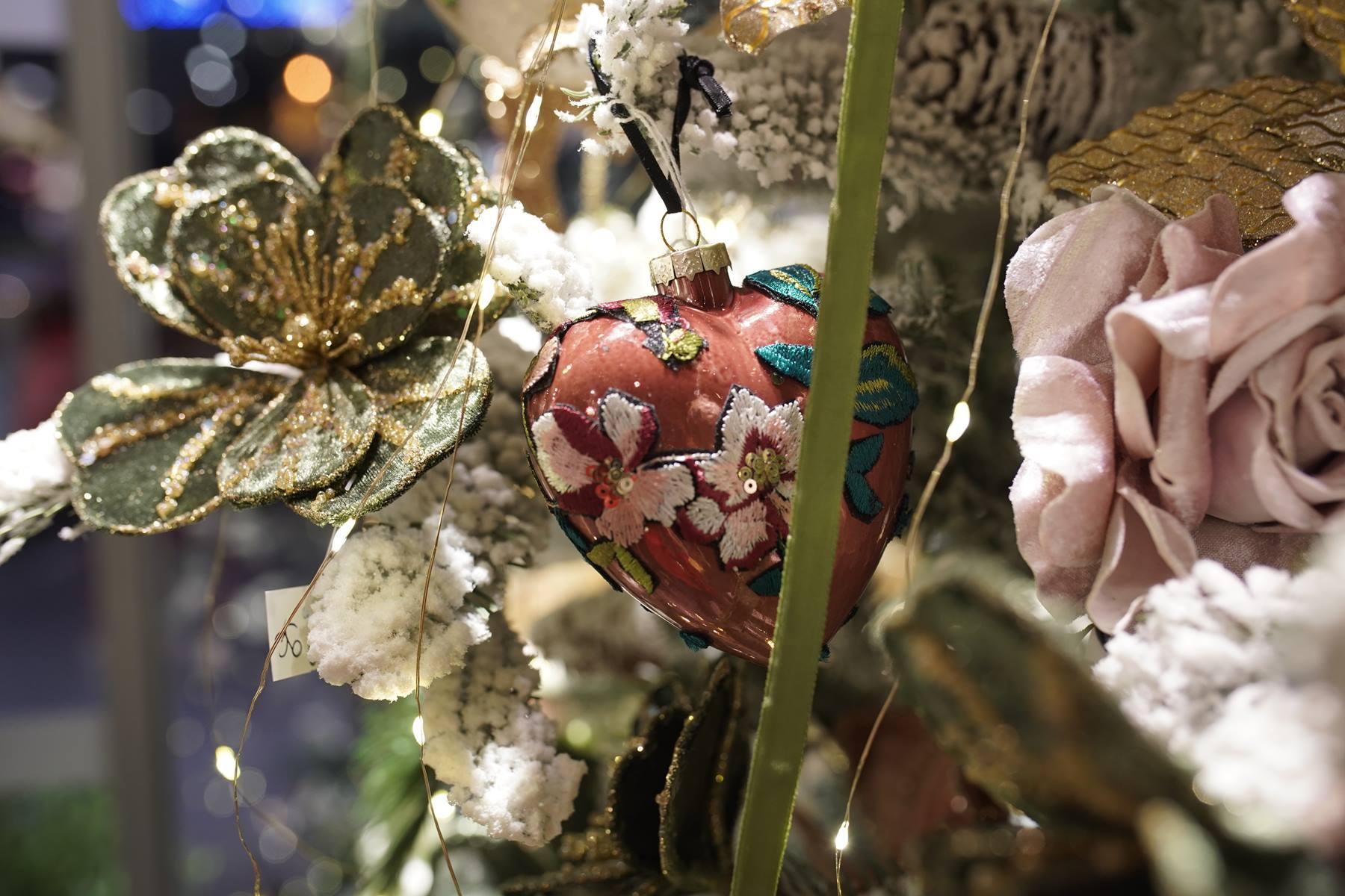 boule en coeur brodé decoration noel 2019 montpellier juvignac